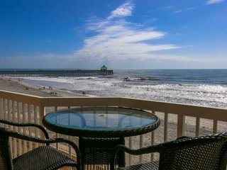 Oceanfront Condo w Ocean Views, Private Balcony, Gated Community with Pools & Pr