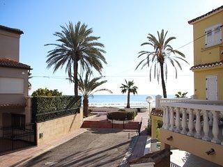 Bungalow PRIMERA LINEA DE PLAYA en urbanización de lujo a 10 minutos de València