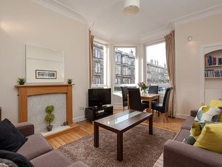 Bright and Spacious Well Located Edinburgh Apartment Near Old Town Sleeps 6