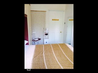 Double and single room family house Islington/ Bedroom #2