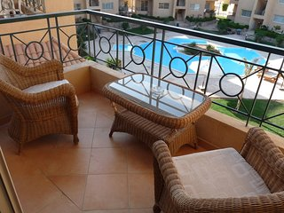 Sierra Resort on Beach Road, 1 Bed with Furnished Sea View Roof Terrace