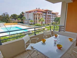 2 bedroom Apartment in Saint-Aygulf, Provence-Alpes-Cote d'Azur, France : ref 50