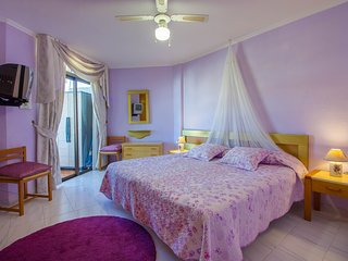 2-bedroom apartment close to the beach