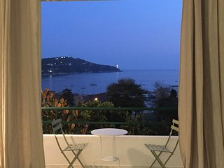Stunning 1 bedroom garden  apartment with a beautiful sea view from  terrace