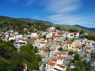 Abruzzo Mountain Town House