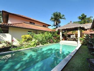 Surya Beachfront Villa No.9 - 3 Bedroom, 2 Bathroom