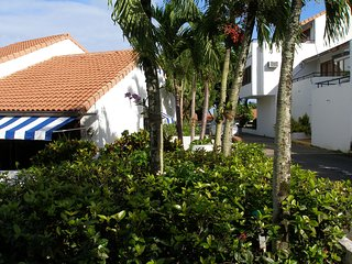 Cozy Tropical Villa