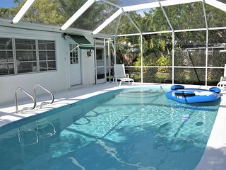 Pool Home, Under 10 Minutes Drive To World Renowned Siesta Key Beach