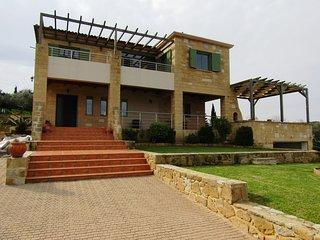 SELENE, stone villa in Gerani Platanias Crete.