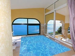 Luxury Apartment Sky 2+2 with jacuzzi, and 2 swimming pools