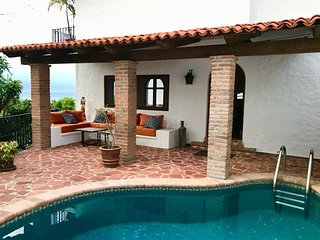 50% DISCOUNT FOR AUGUST. Private Pool, Steps to Ocean