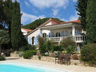 Top villa op loopafstand (250m) van La Nartelle stranden en restaurants