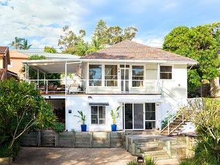 Bagnalls Beach House, 3 Burbong Street