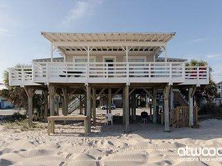 Sea Plus - 4 Bedroom Beach Front Home