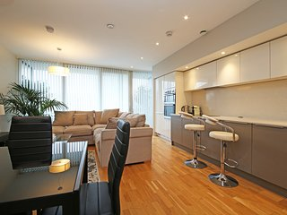 Tranquility Living in Designer 2Beds with Terrace!!!