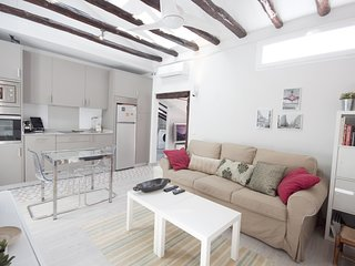 HUERTAS - Charming & bright Loft in the city centre