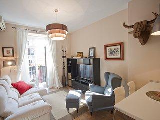 NAVAS DE TOLOSA - Comfy flat *Callao Sq!2bdr/lift/wifi
