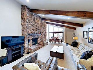 3BR/3BA Vail Valley Condo w/ Pool & Hot Tub - Near Slopes, 200 Yards to Lake