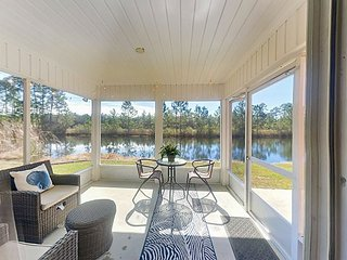 Waterside 3BR in Coveted Gated Community w/ Pools & Tennis - 5 Mins. to Beach