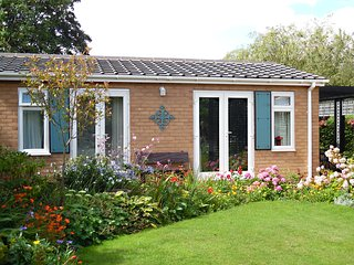 The Villa Holiday Cottage in Neston Wirral and Cheshire