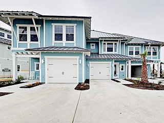 Bayfront 2BR w/ Patio & Community Pool, Fishing Pier, Fire Pits & Grills