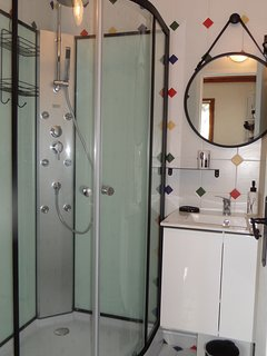 Newly Fitted shower room jan 2018.