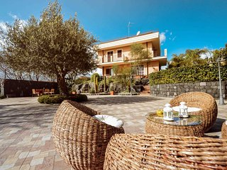 Villa Raffo - enjoys views of Mount Etna and the sea, a true paradise