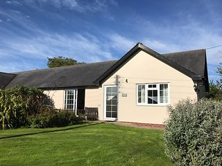 Blackbird Leigh Cottages spacious bungalow located in peaceful mature gardens