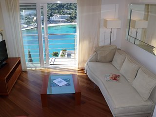 Heure Bleue |Sunny 2-BR  with Amazing Sea Views and Parking Lapad Bay