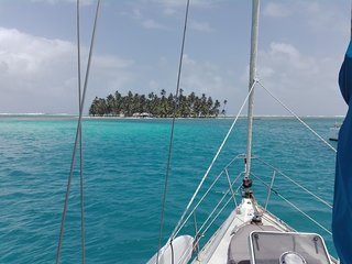 Feel San Blas by boat!
