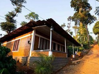 Coffee Plantation Homestay - Dormitory room 1 - Sleeps of 6