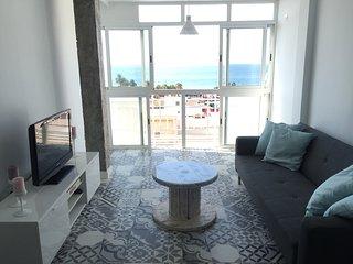 Precioso piso nuevo en Malaga. A tres minutos a pie de la playa y vistas al mar.