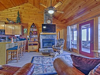 NEW! 2BR Branson Cabin-Mins to Silver Dollar City!