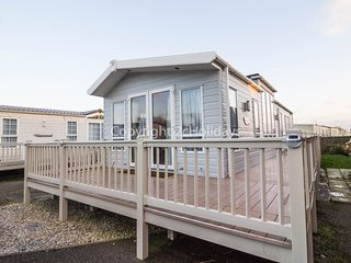 6 Berth Lodge in California Cliffs Holiday Park, Scratby Ref: 50001 Osprey