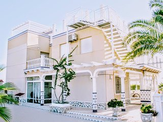 Villa Orquideas, Playa Flamenca - WiFi, Sea Views...