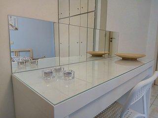 Appartement traditionnel avec terasse pour 4, renove au centre d'Athenes