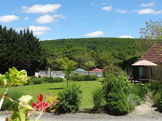 Le Logis,charming,child friendly dordogne holiday cottage with free pitch & putt