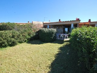 Villetta a schiera con vista mare in residence con piscina. 5 posti letto
