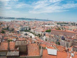 Waoooow view over Lisbon