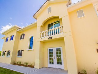 Longer-term Condo in Resort-like Community-Private Beach,Golf,Tennis,River Dock