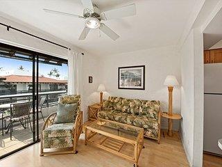 Casa De Emdeko 321 Remodeled , Wifi, Top Floor, AC included!!