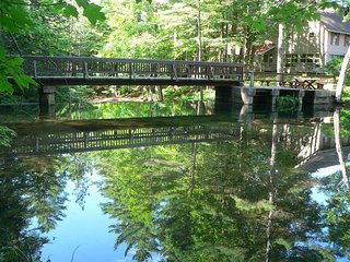 North Conway: Poolside on Kearsarge Brook - WATERFRONT LUXURY!
