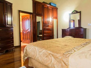 'El Cielo' Midway Room