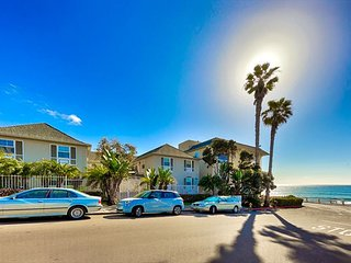 Charming Ocean View Condo off Windansea Beach - Walk to Downtown