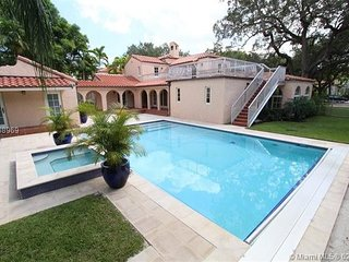 Villa Augusta . Mediterranean Villa Augusto with Huge Pool!