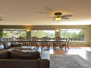 Black Oak Manor - Yosemite Area Vacation Rental Home