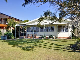 Sandy Shores, 18 Corlette Point Road