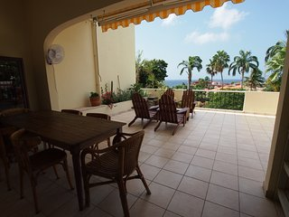 Spacious apartment in the exclusive Royal Palm Resort, ocean view
