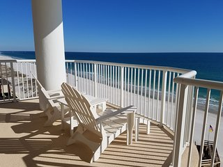 Cindy Lou's 3BR/3BA Beachfront 10th Floor East Corner Unit in Island Royale!