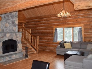 Secluded Adirondack Log Lodge near Whiteface Mountain, Fishing, Hiking, Biking